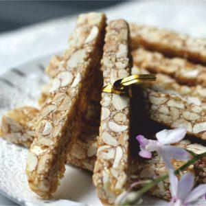 Kẹo Lạc. Peanut brittle