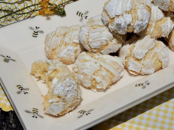 Lemon and lima crackle top cookies
